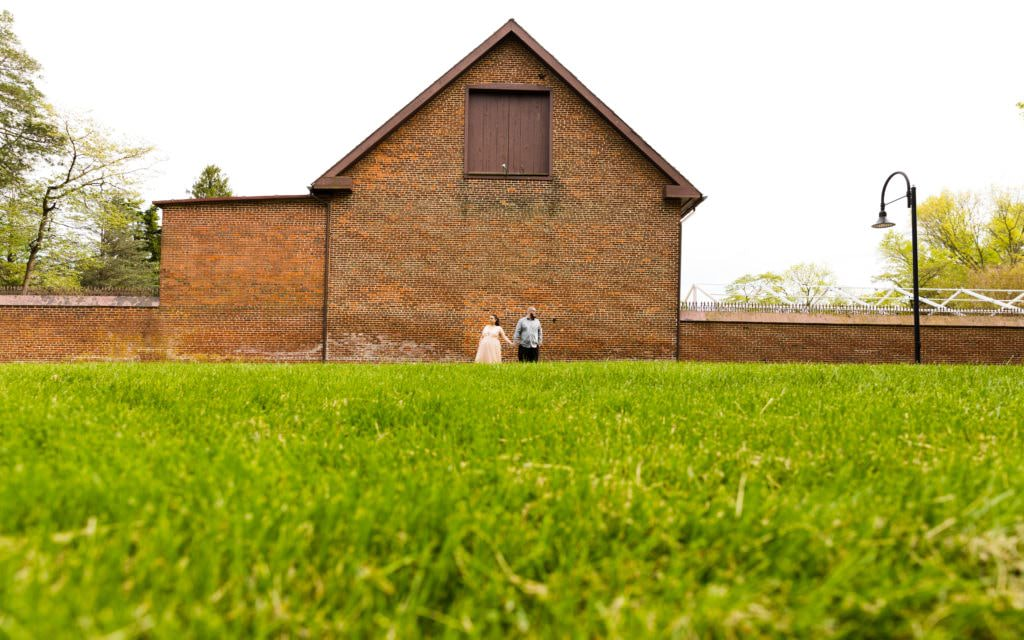 I love everything about this brick wall. Meet Joe and Kaitlyn - Smithville Mansion engagement session