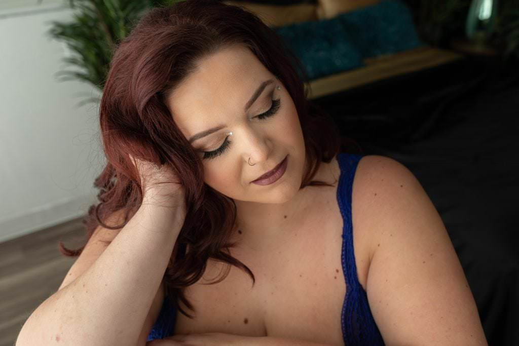 3 Reasons to Do a Boudoir Session If You're full figured